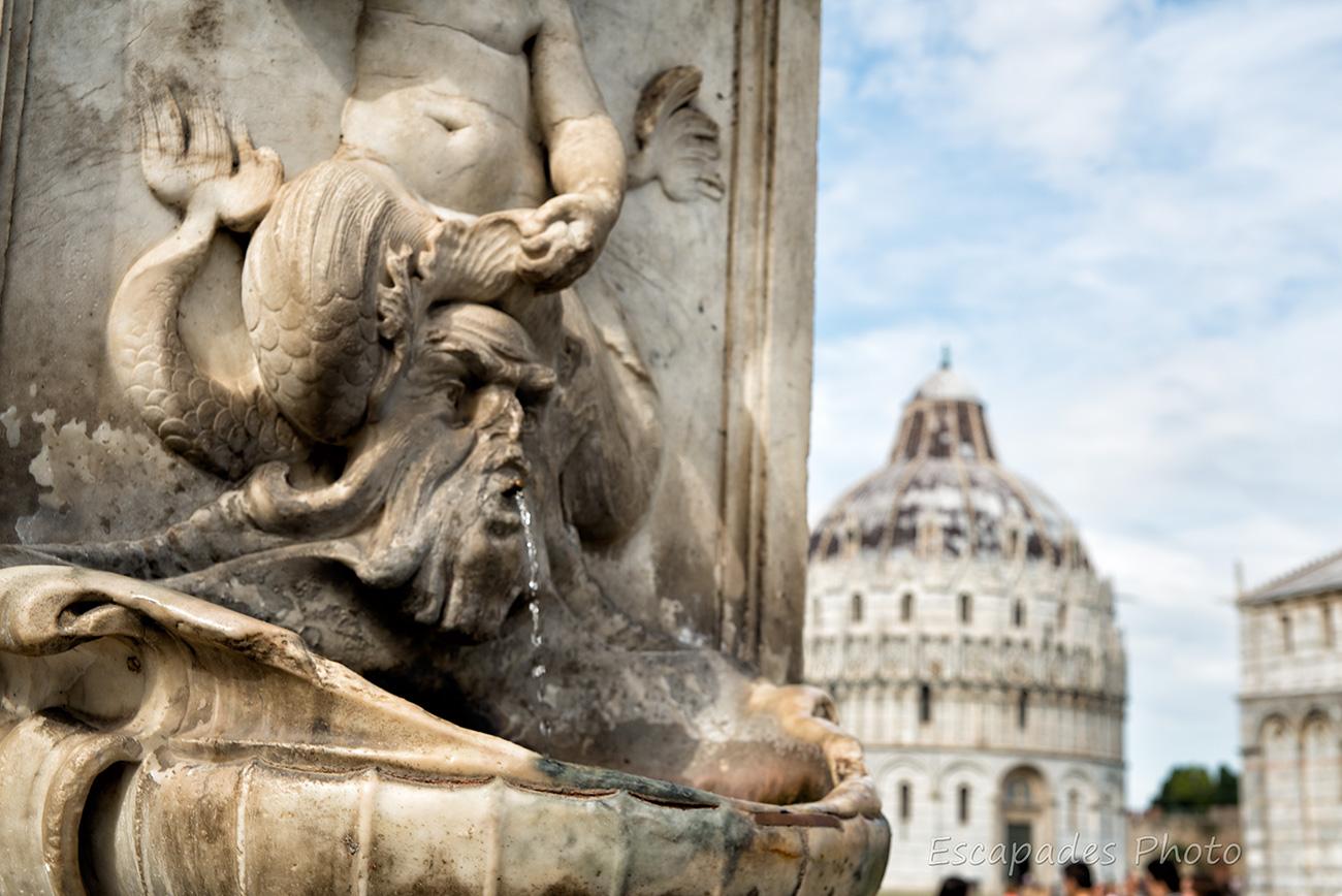 fontaine des anges place des miracles - pise
