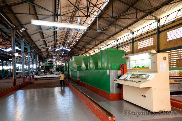 Usine caoutchouc chup - intérieur de l'usine - vue générale