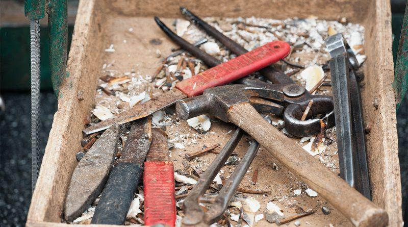 Maréchal-ferrant - caisse à outils