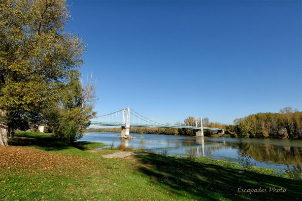 Auvillar - pont sur la Garonn