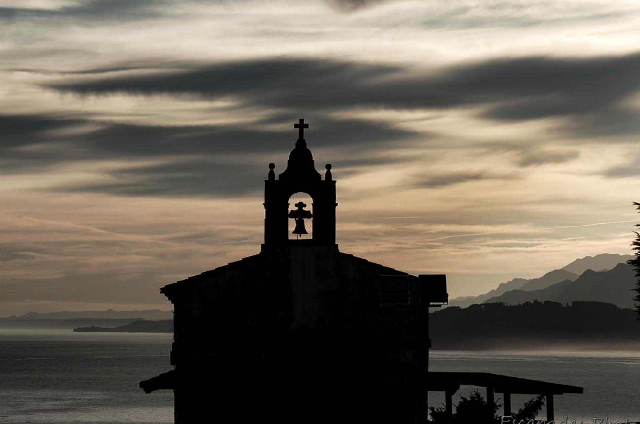 Lastres, lever du jour sur chapelle Saint Roch - Asturies