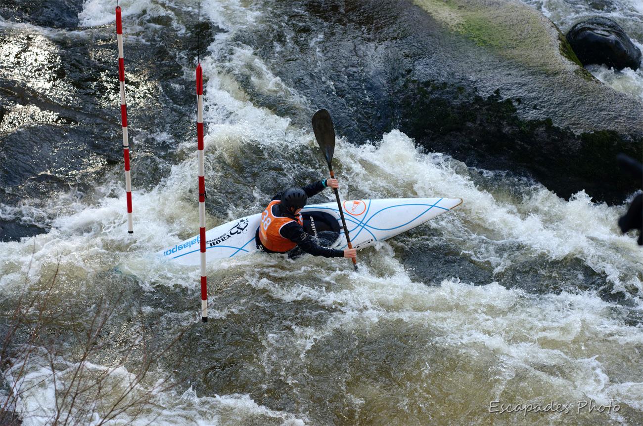 Canoë Kayak - franchissement de porte - Roches du Diable