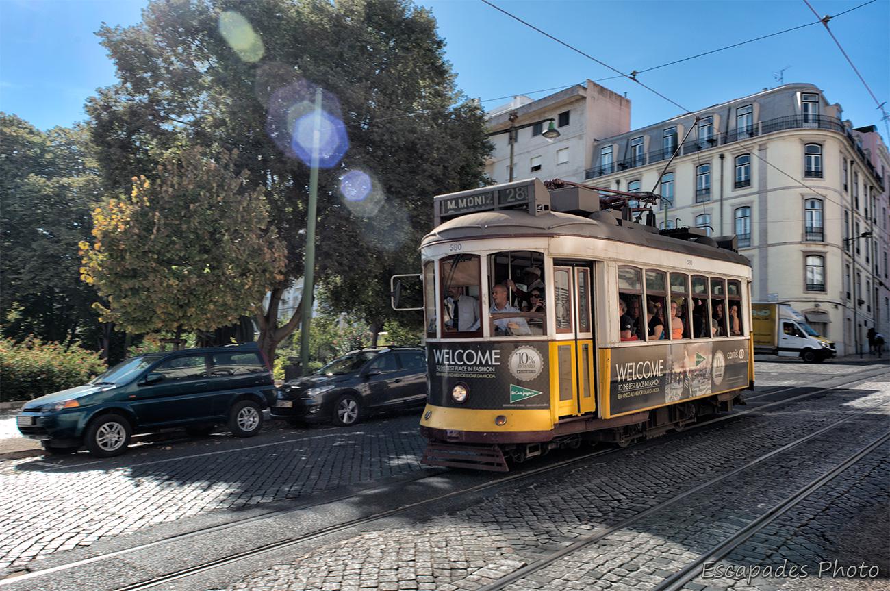 Tramway 28 à Estrela