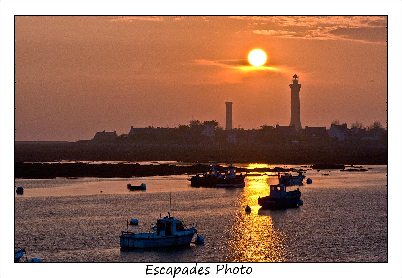 Coucher de soleil sur le phare d'Eckmuhl à Saint-Pierre