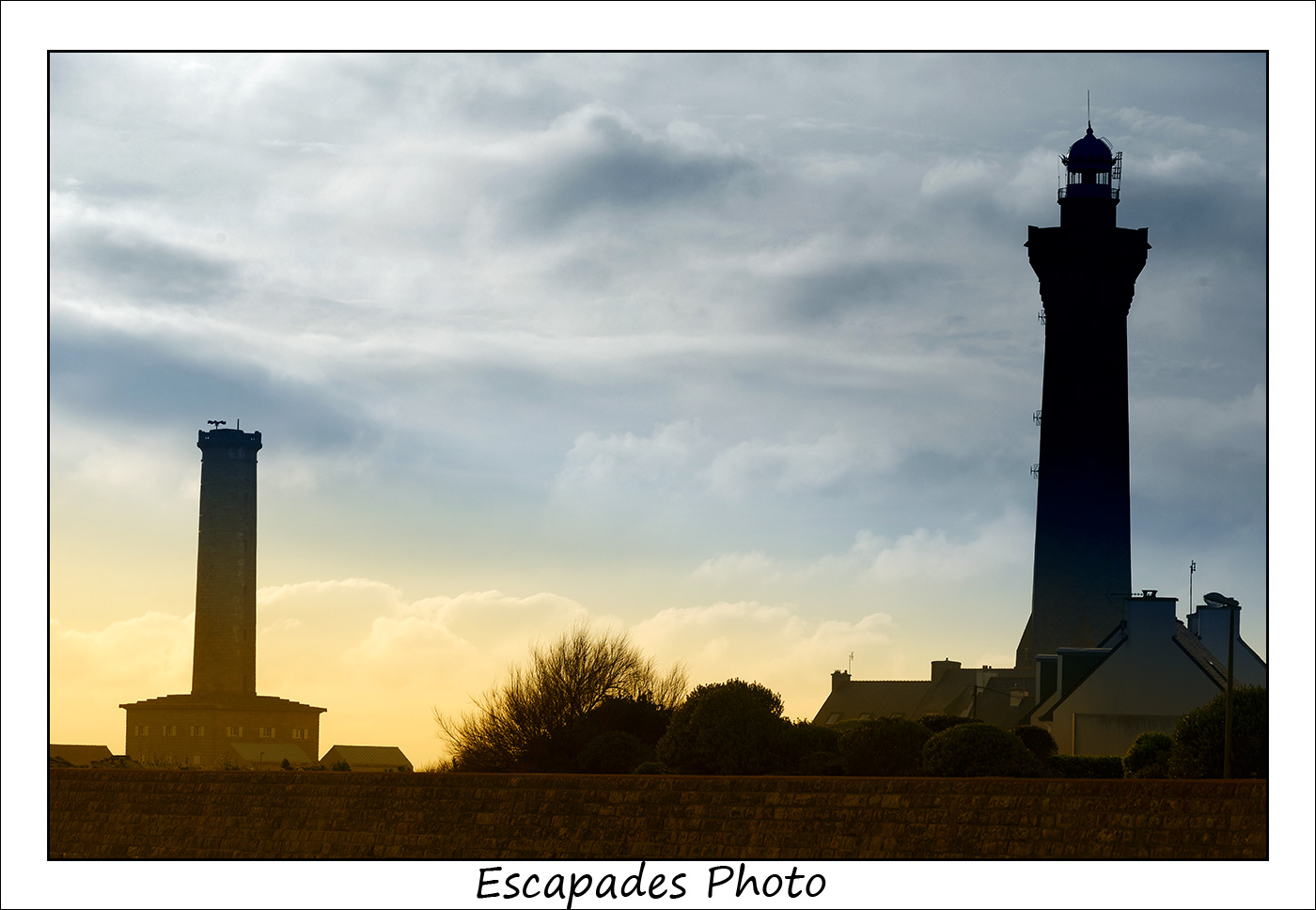 Saint-Pierre d'Eckmuhl - l'ancien et le nouveau phare