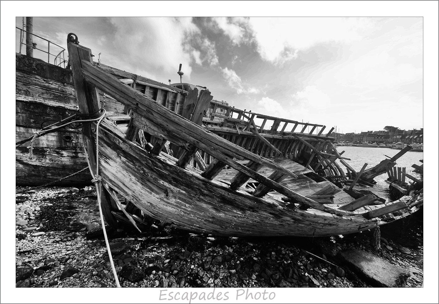 Le sillon - carcasse d'un bateau de bois