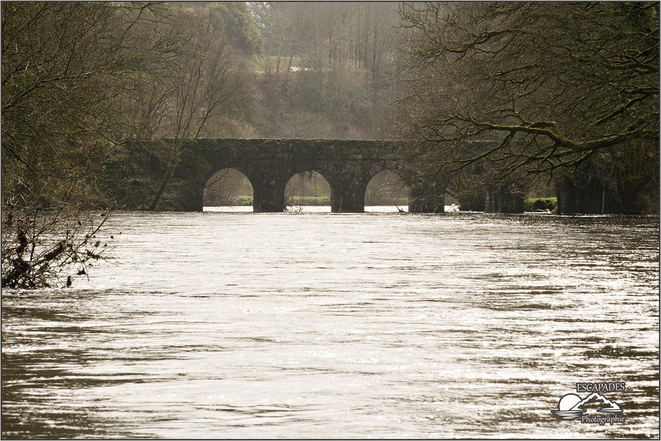 Pont Ty Nadan, le fleuve et les cinq arches du pont